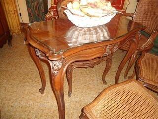 Petite table en noyer de style louis XV époque 1900