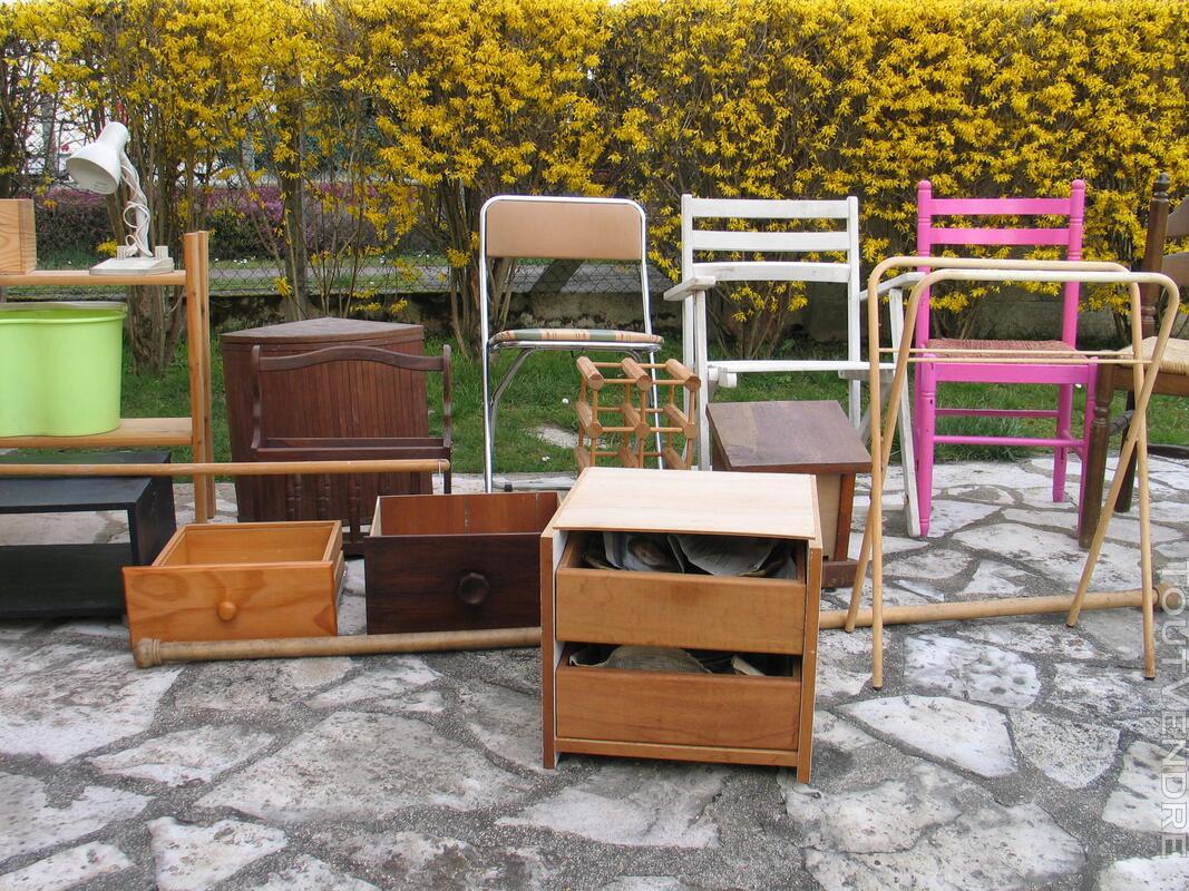 Petits meubles chaises équipements 495854056