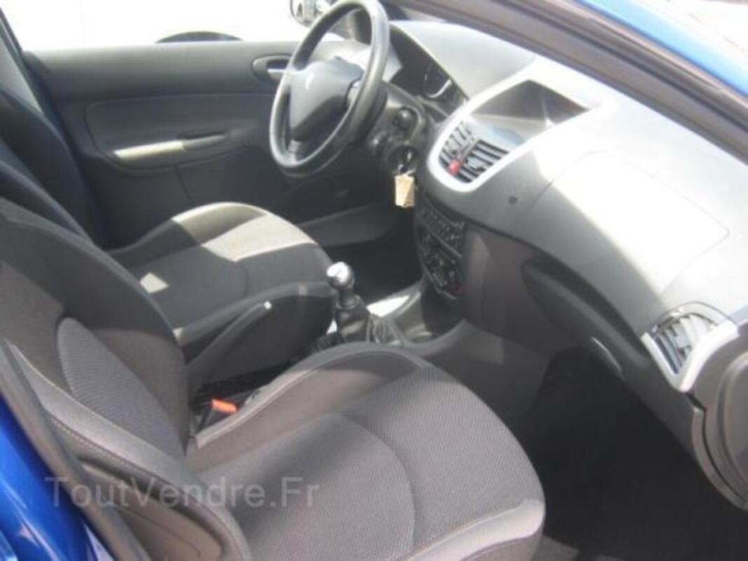 PEUGEOT 206 + 1.1 Trendy 5p + 1200€ bons carburant OFFERT 40588072