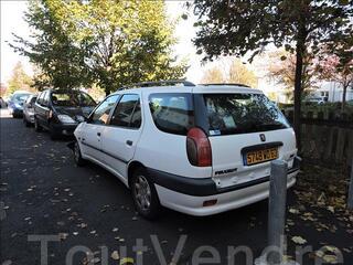 Peugeot 306 break accidenté roulante et réparable