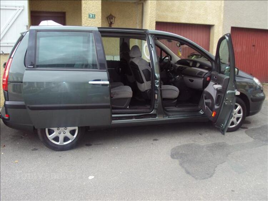 Peugeot 807 navtech 2.2 L Hdi 130cv toutes options 11093