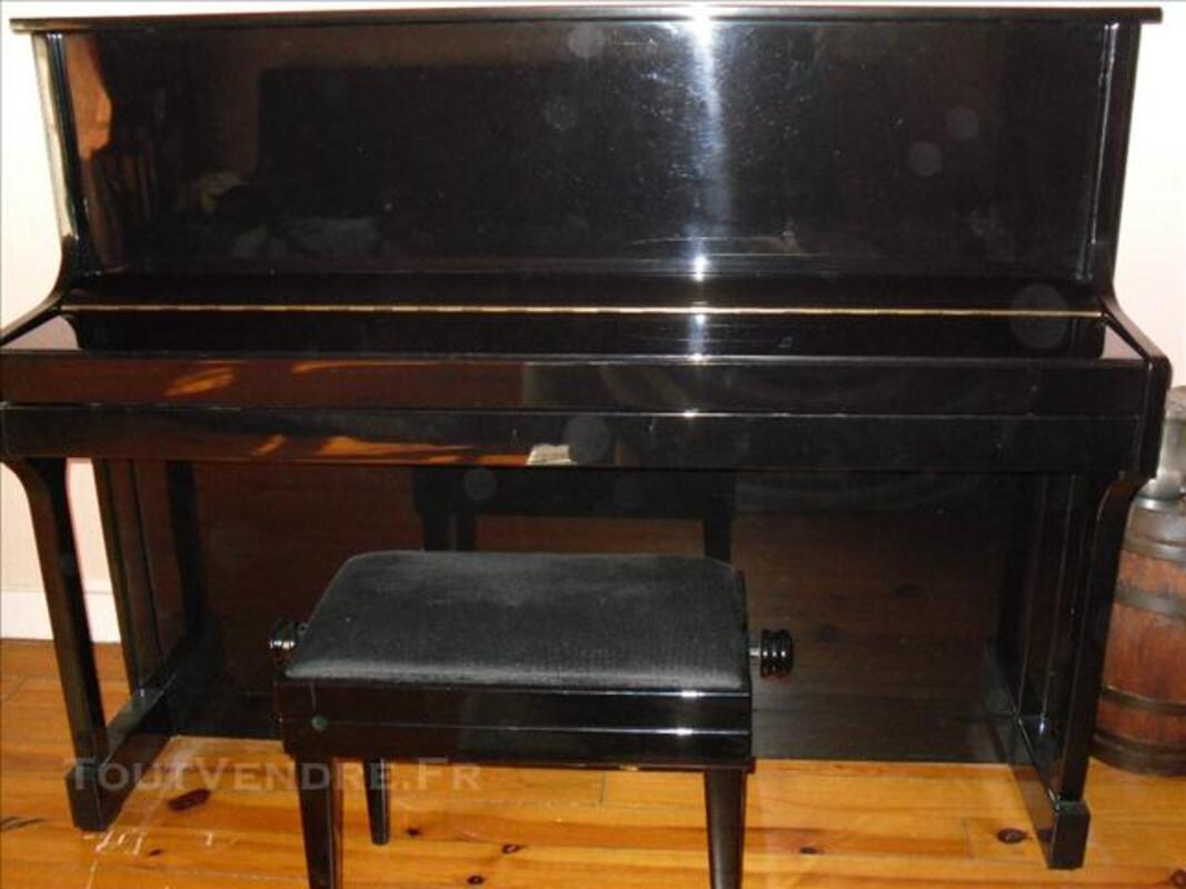 Piano, banquette,partitions,métronome,meuble 74032041