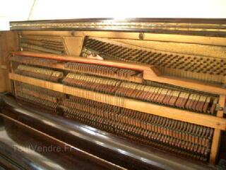 PIANO DROIT- STYLE ANGLAIS