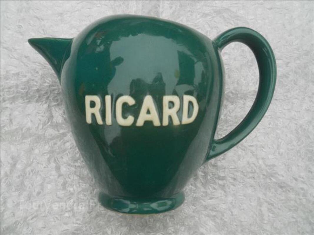 Pichet Ricard vert numéroté 87352113