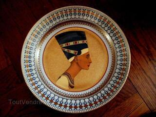 Plat egyptien NEFERTITI porcelaine KAISER Ed. limitée