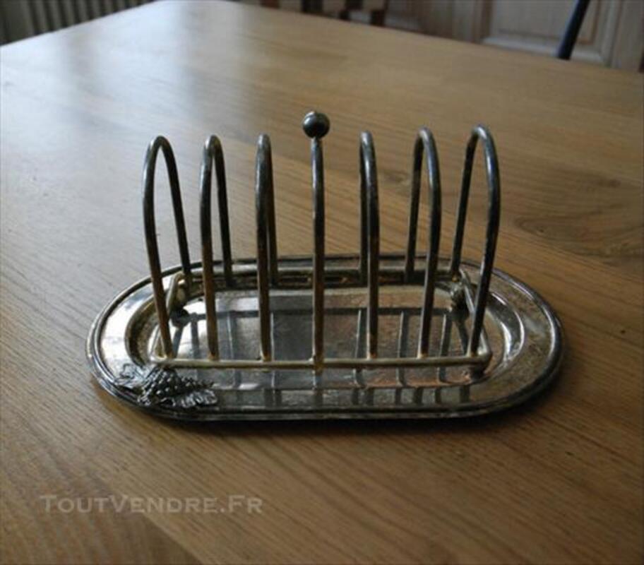 Plateau et porte-toast en métal argenté 83101897