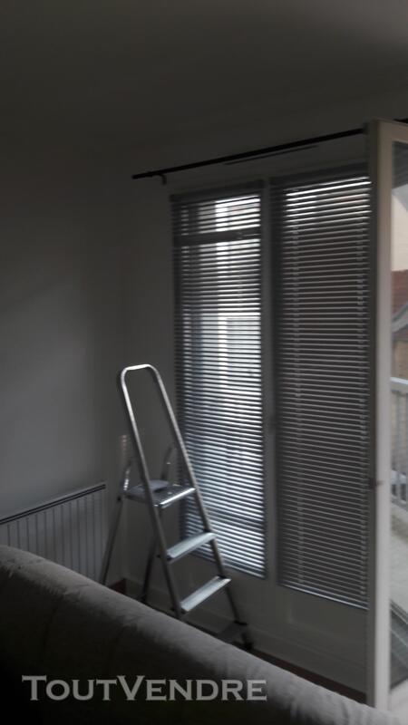 Plombier installateur sanitaire dépannage 499165688