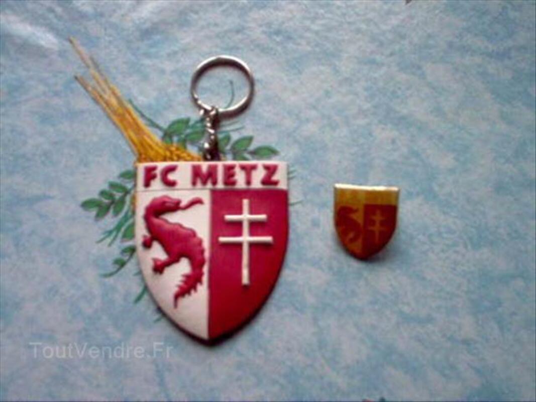 PORTE CLE + PINS FOOTBALL F.C METZ... 54634751