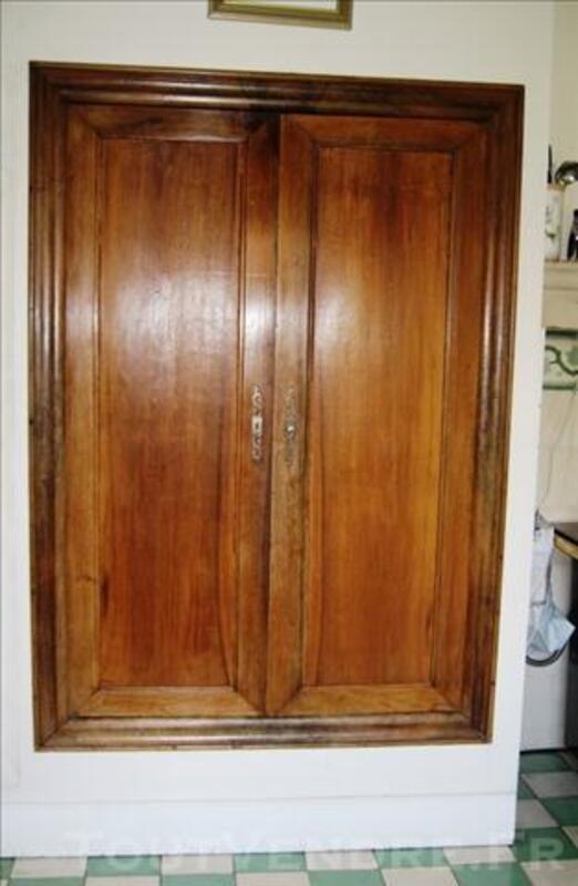 Portes + cadre d'armoire anciennes en noyer 76619231