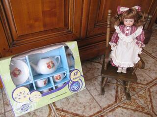 POUPEE DINETTE FAUTEUIL ( 3 jouets )