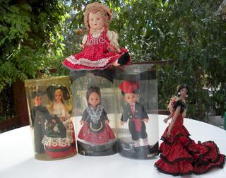 Poupées folkloriques de collection
