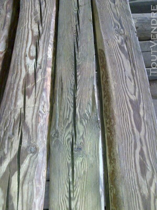 Poutre/chevron en vieux bois 113757082