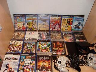 PS2 + 3 MANETTES PS2 + 19 JEUX PS2 + 2 CARTES MEMOIRES