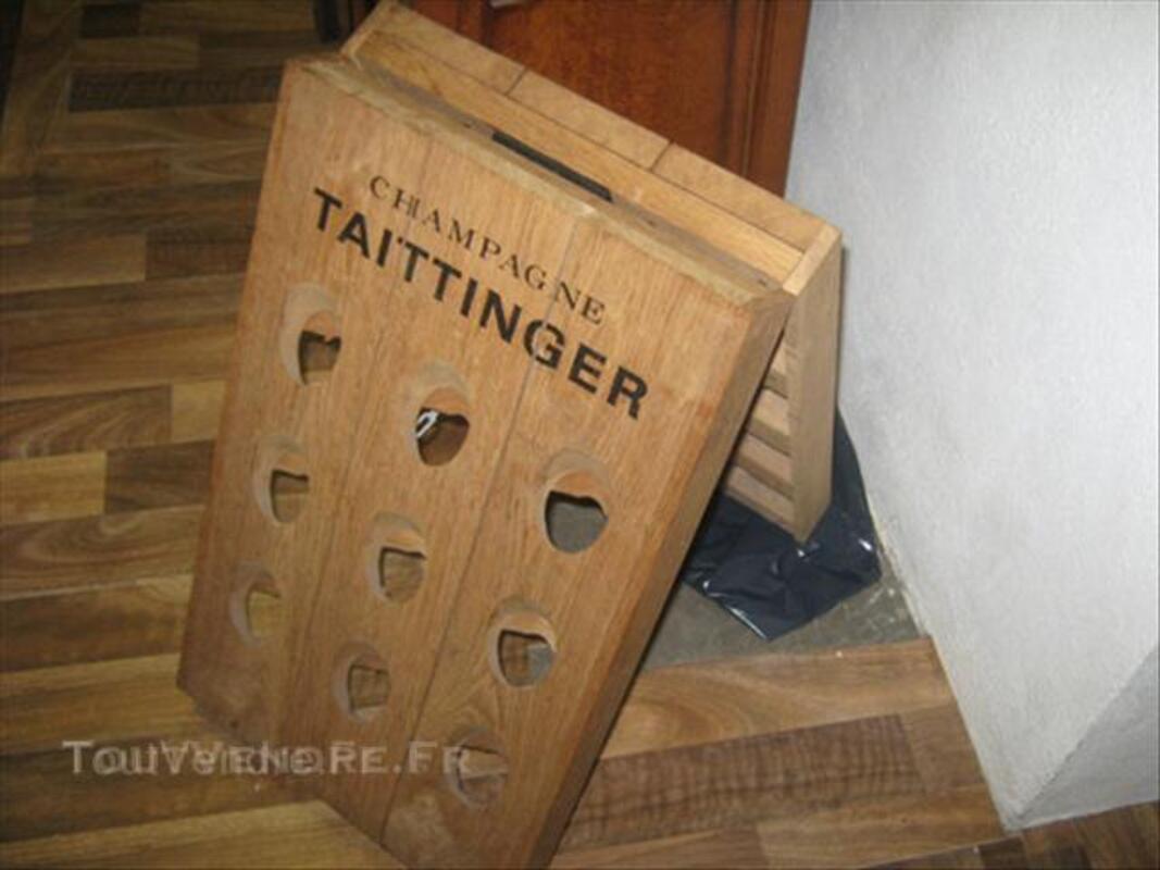 Pupitre a champagne Taittinger 43792273