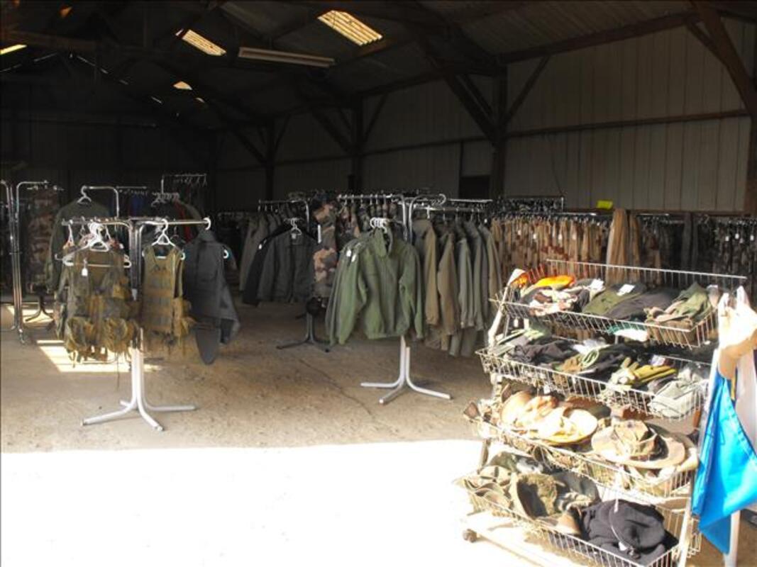 Rachat vêtements effets militaires gendarmerie armée 103019101