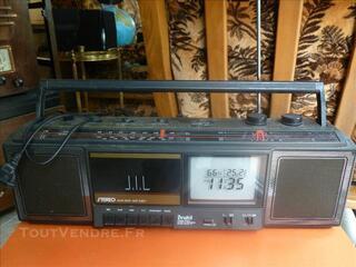 RADIO FM + CASSETTES, TELE NOIR ET BLANC CAMPING