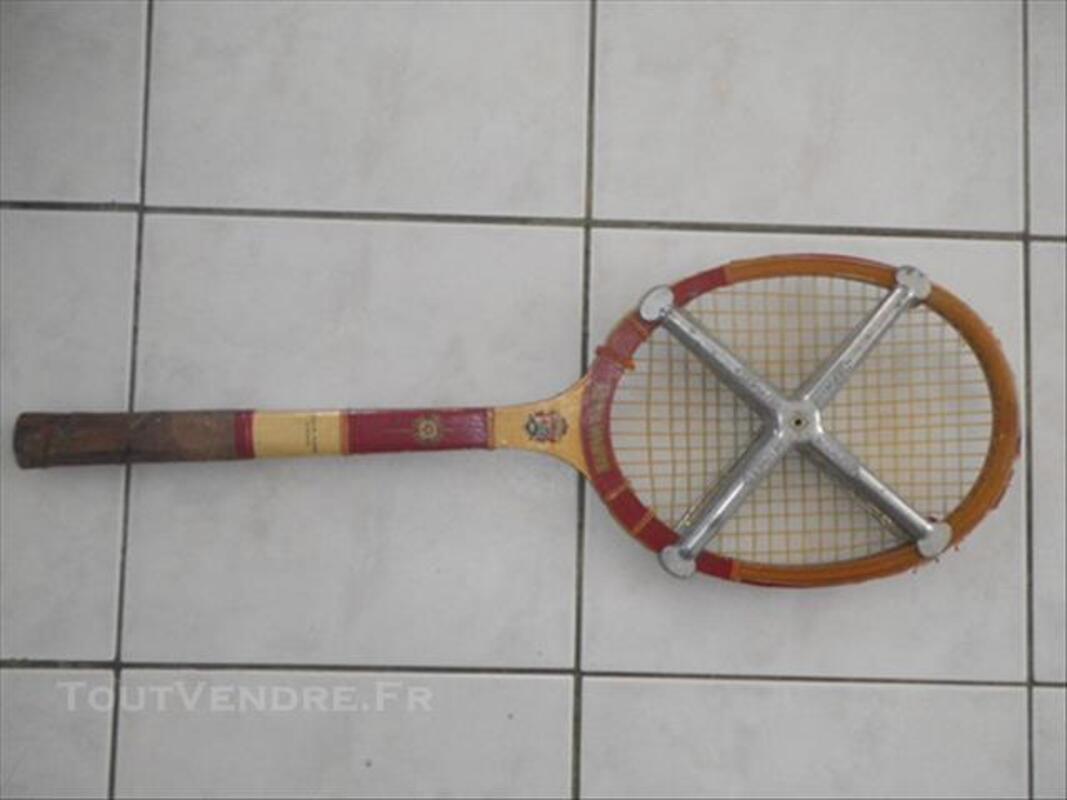 Raquette de tennis ancienne en bois 84764957