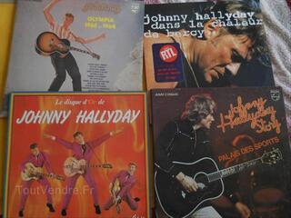 Rare lot de 12 disques de JOHNNY HALLYDAY..( 7 doubles)