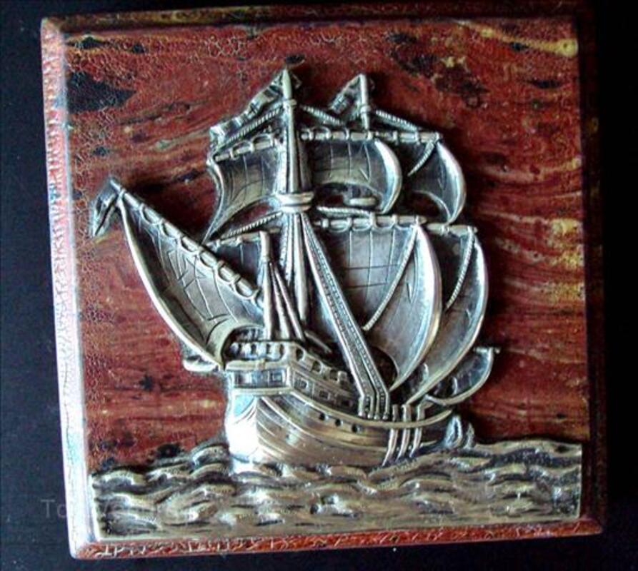 Rare petit tableau ancien  avec voilier en argent 60200667