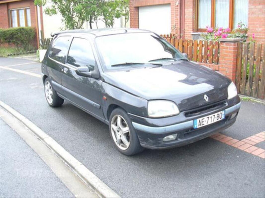 Renault clio 1.9 L D RT 45543257