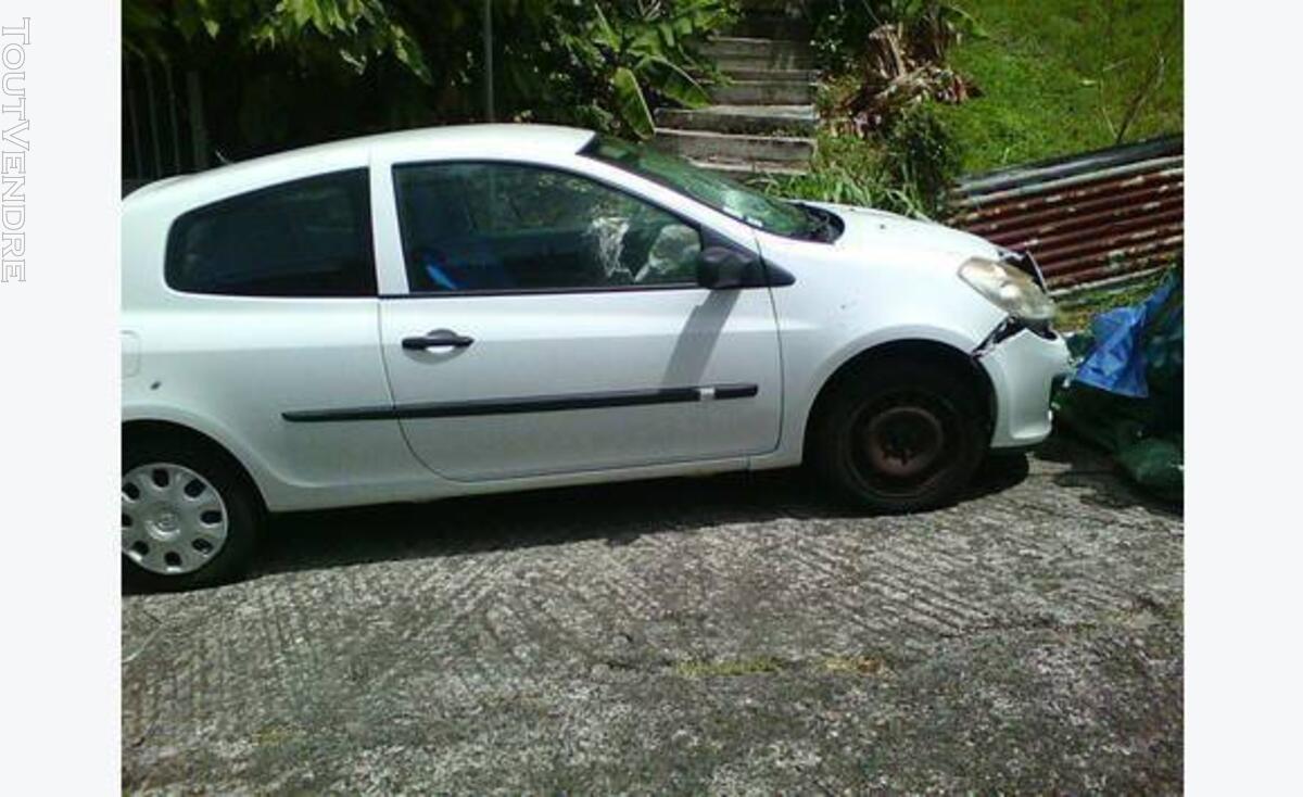 Renault clio 3 accidenté 109391584