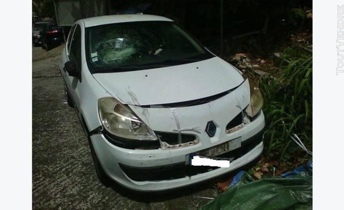 Renault clio 3 accidenté 109391620