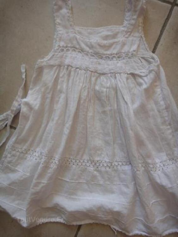 Robe blanche 18 mois brodée main 90023806
