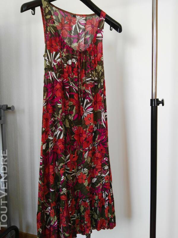 Robe fleurie en coton 561938673