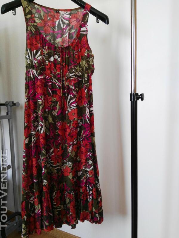 Robe fleurie en coton 561938679