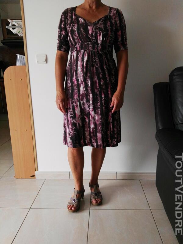 Robe violette et mauve 558496365