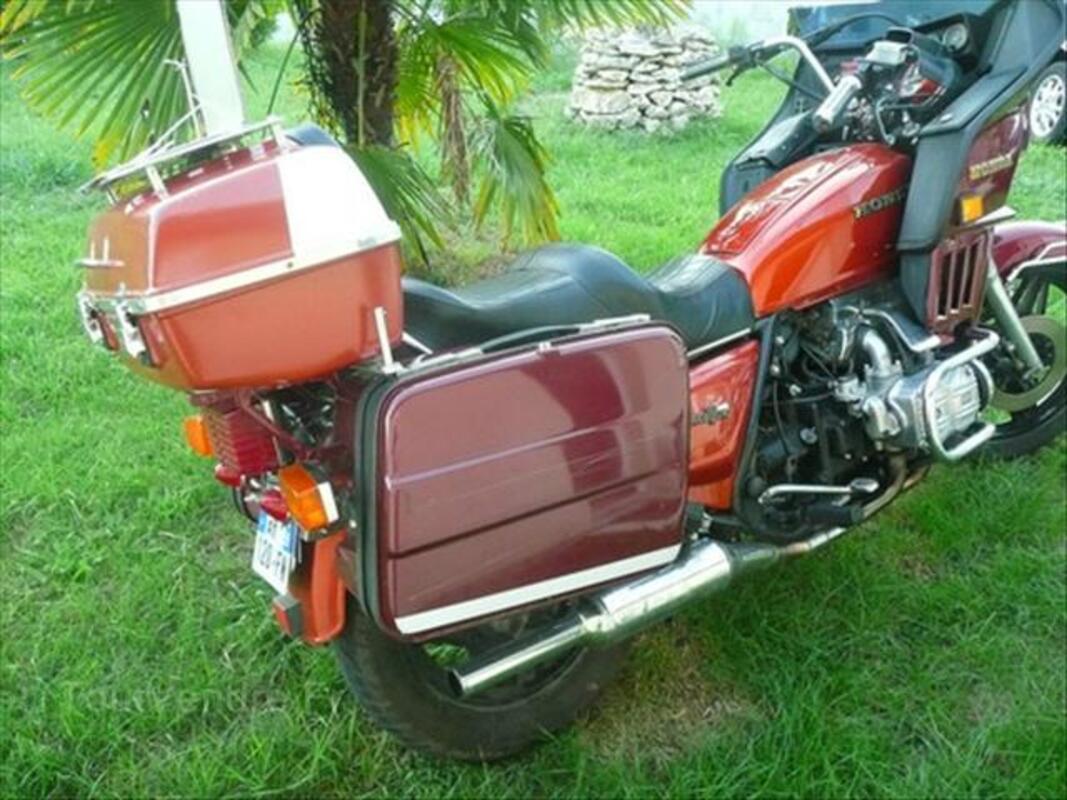 Sacoche rigide moto 55878730