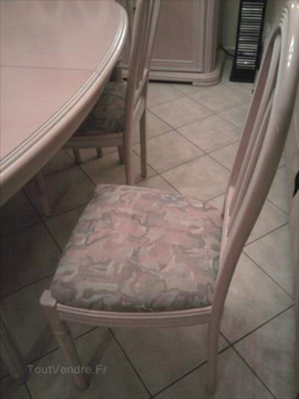 Salle à manger ovale avec 6 chaises et un buffet 56548502