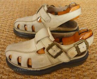 Sandales, nu-pieds Dr Martens pointure 37