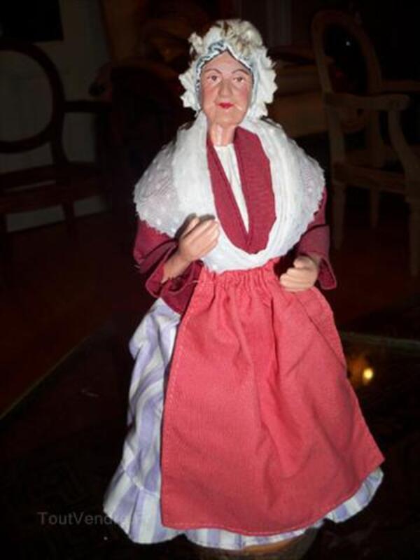 Santon de provence habillé une vieille dame 56456281