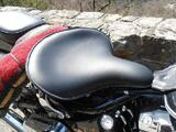 SELLE SOLO LARGE POUR HARLEY DAVIDSON