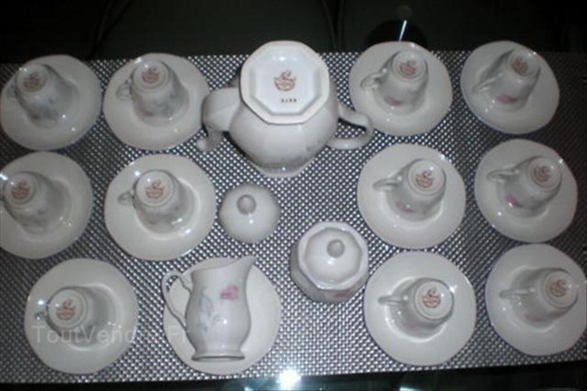 SERVICE A CAFE en PORCELAINE - CAFETIERE NUMEROTEE 55851516