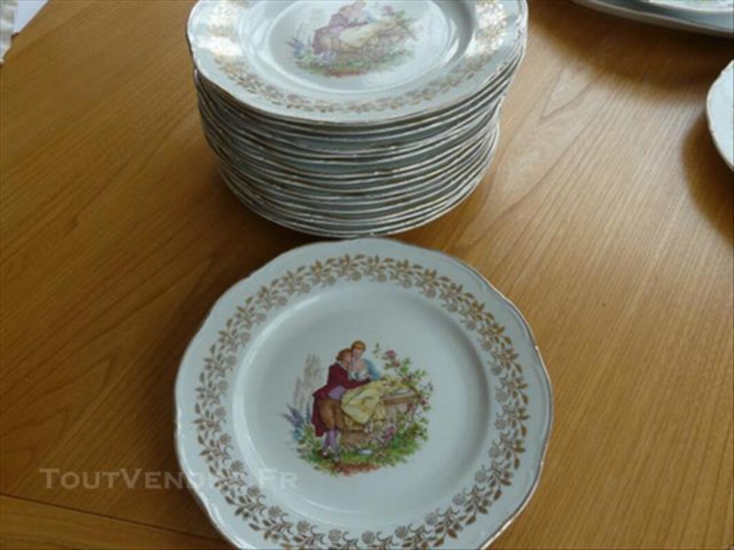Service d'assiettes et plats porcelaine Digoin 85577308