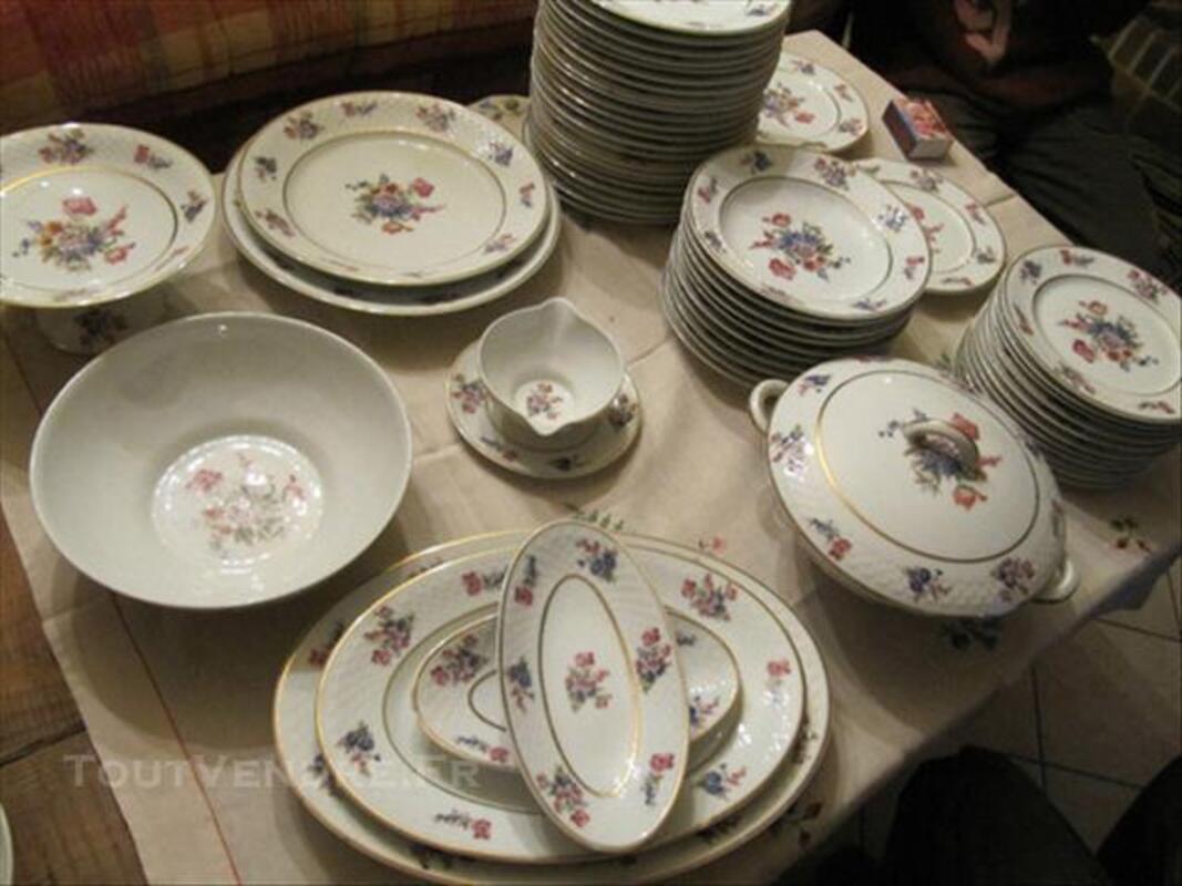 Service de table en porcelaine 84060647