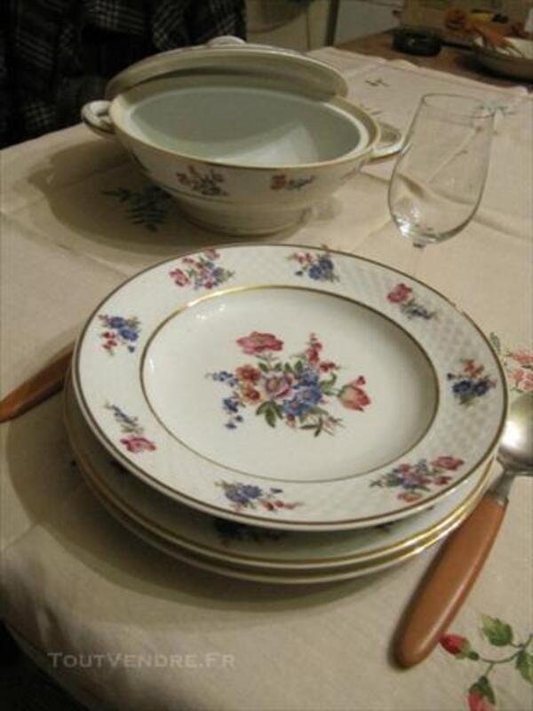 Service de table en porcelaine 84060649