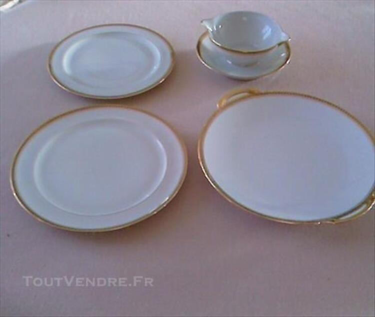 SERVICE DE TABLE PORCELAINE LIMOGES 85238479