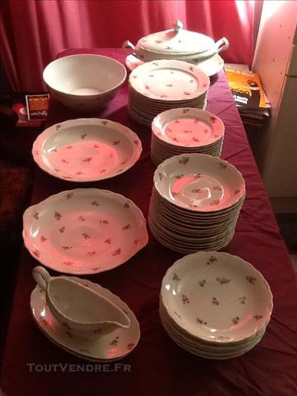 Service de vaisselle en porcelaine de Limoges 81428636