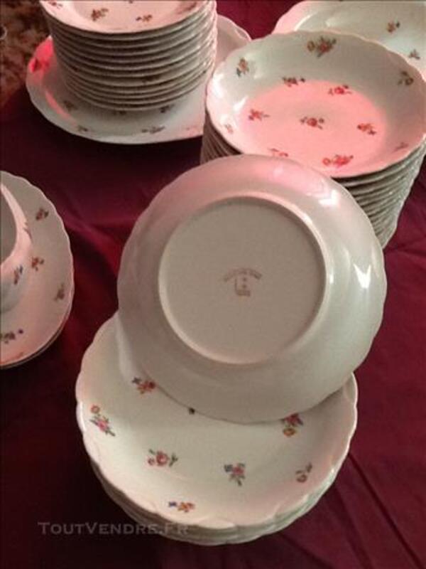 Service de vaisselle en porcelaine de Limoges 81428649