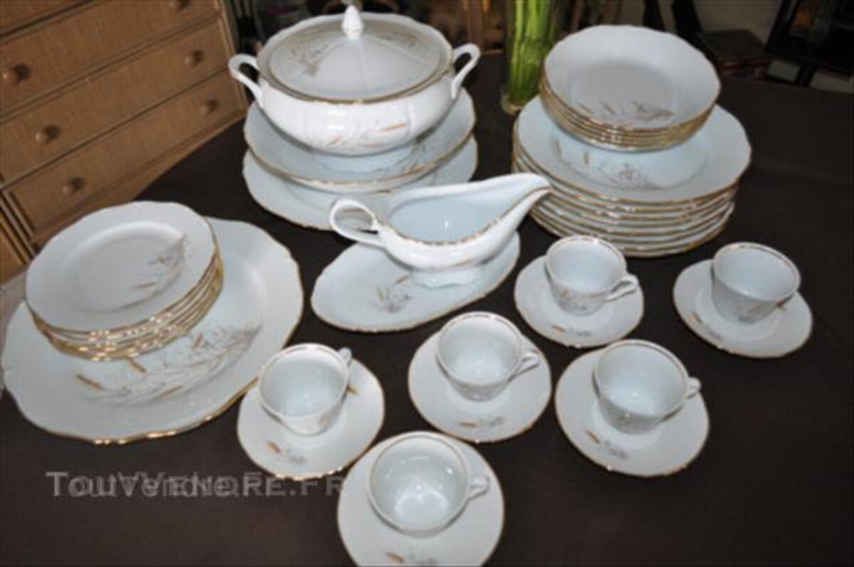 Service en porcelaine de Limoges 44956434