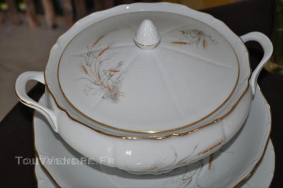 Service en porcelaine de Limoges 44956436