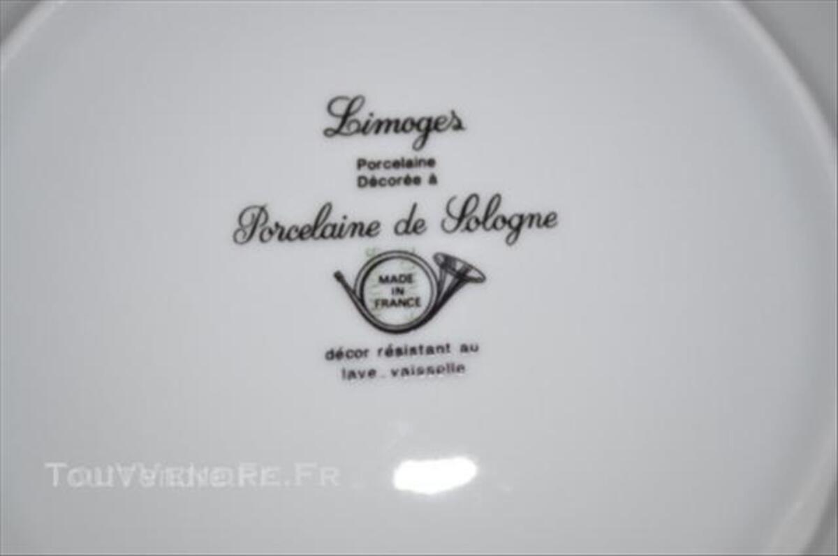 Service en porcelaine de Limoges 44956437