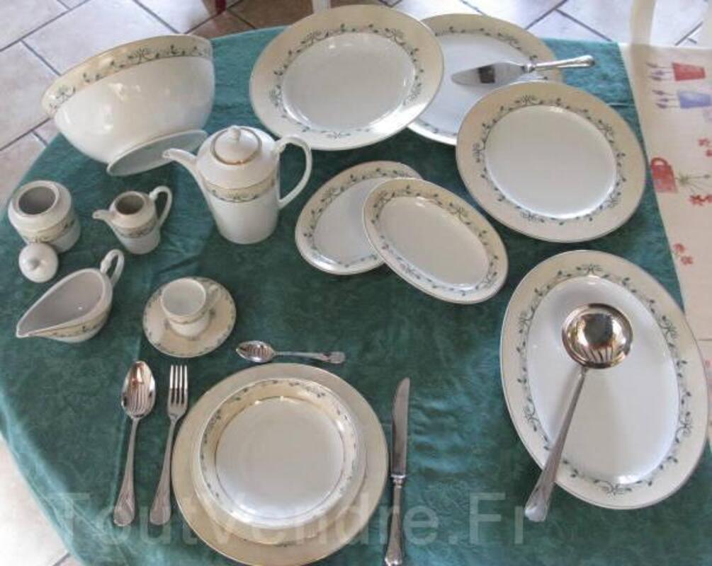 Service porcelaine 12 personnes 87 pieces complet 16149983