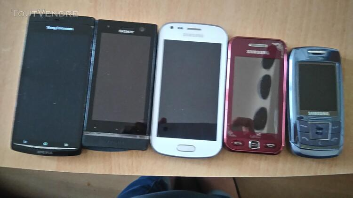 Six smartphones d'occasion en très bon état à un bon tarif. 291500348