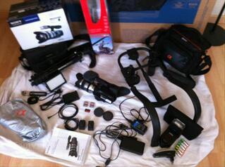 Sony NEX VG10E + environ 1200,00€ d'accessoires...