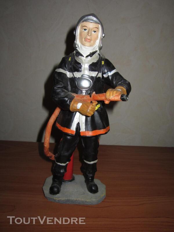 Statue pompier porte lance 291516269