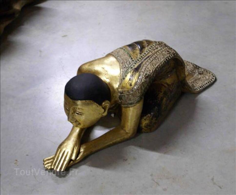Statues - Moines en priére - Or fin - H: 30 cm 35520212